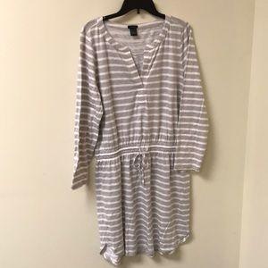 WEEKEND SALE!!  ANN TAYLOR  LONG SLEEVED DRESS